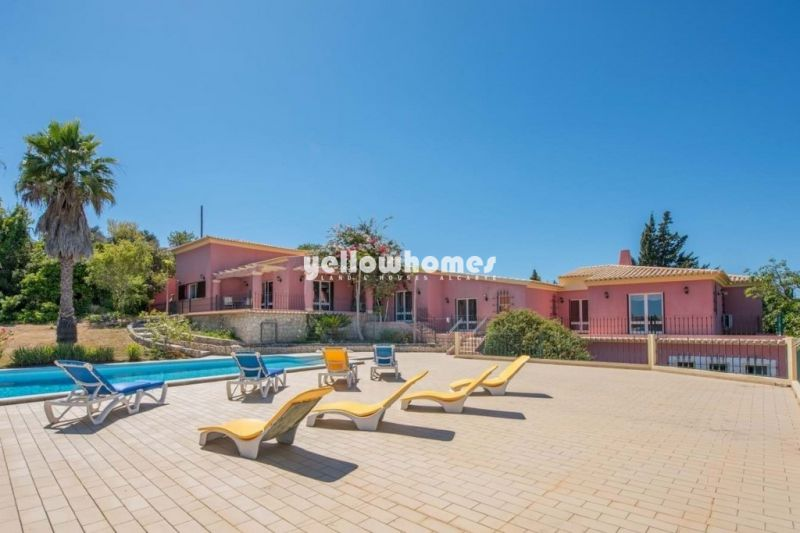 Spectacular 6-bed villa with pool and sea views n Lagos